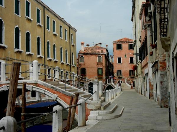 streets of venice italy