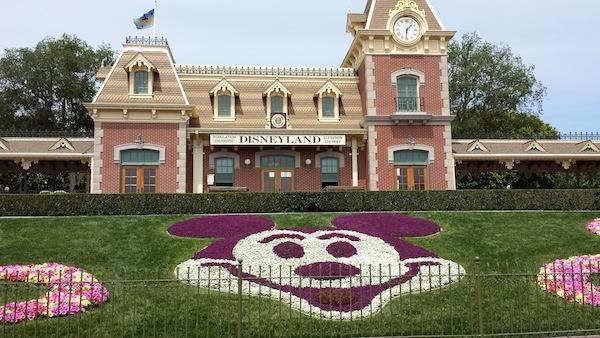 Entrance to Disneyland Resort