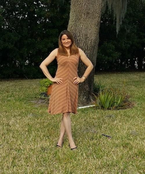 Karina-Dress-Review-by-Paula-Schmitt-of-This-Girl-Travels-500x600