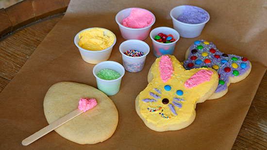 Disneyland Resort Springtime Roundup - Cookie Decorating