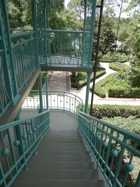 Disney Port Orleans Resort - Exterior stairs-2