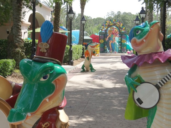 Disney Port Orleans Resort - Pool Area - Aligator Statues 3