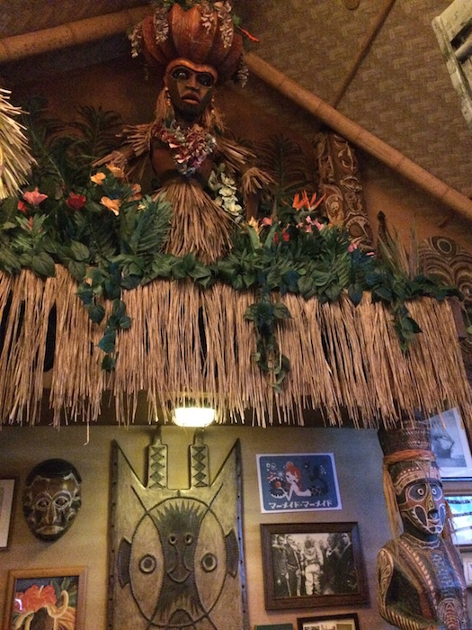 Trader Sam's Grog Grotto - Decor 2