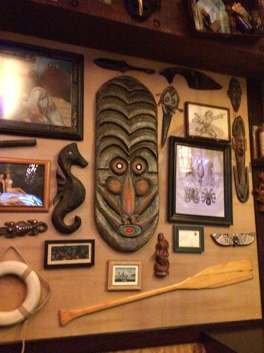 Trader Sam's Grog Grotto - Decor 3